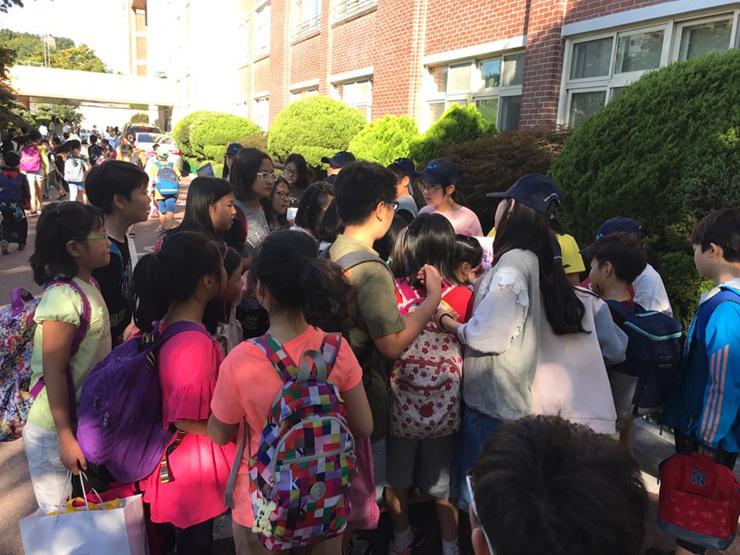 [일반] 2017학년도 Wee클래스 홍보 및 또래중조단 학교폭력예방캠페인의 첨부이미지 6