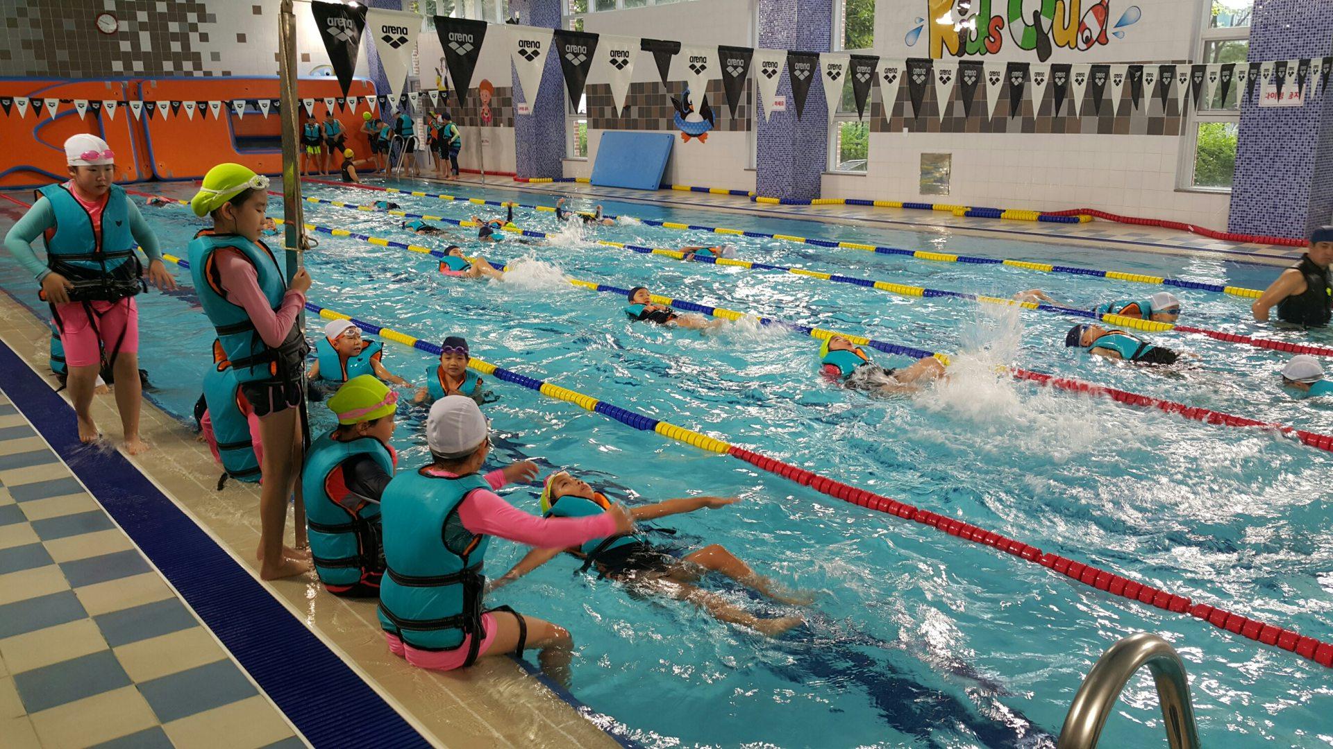 [일반] (3학년) 생존 수영 교육의 첨부이미지 1
