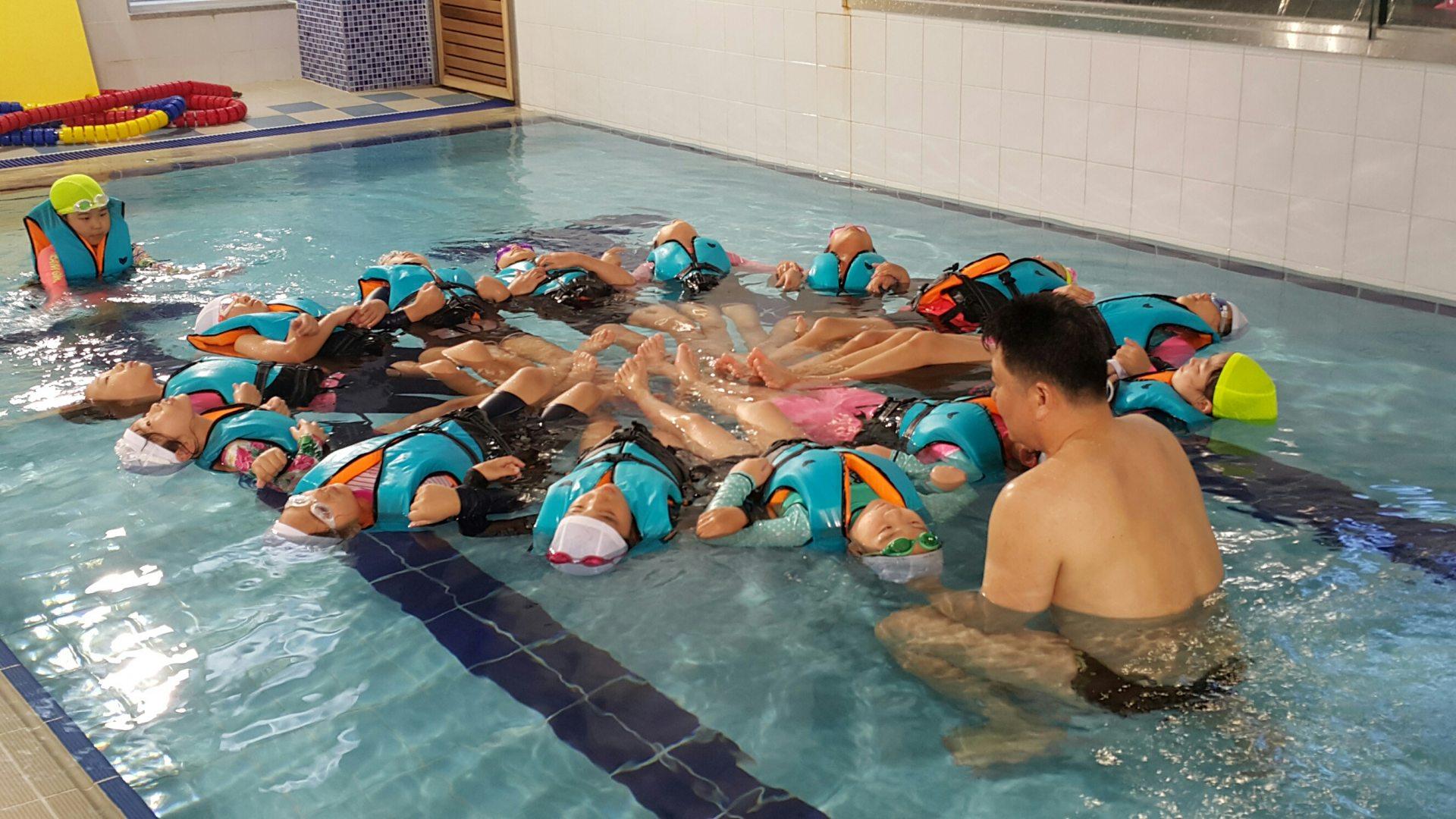 [일반] (3학년) 생존 수영 교육의 첨부이미지 2