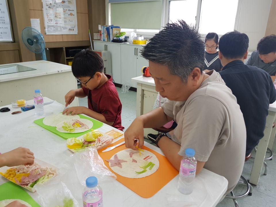 [일반] 아빠와 함께하는 컬링과 요리교실의 첨부이미지 2